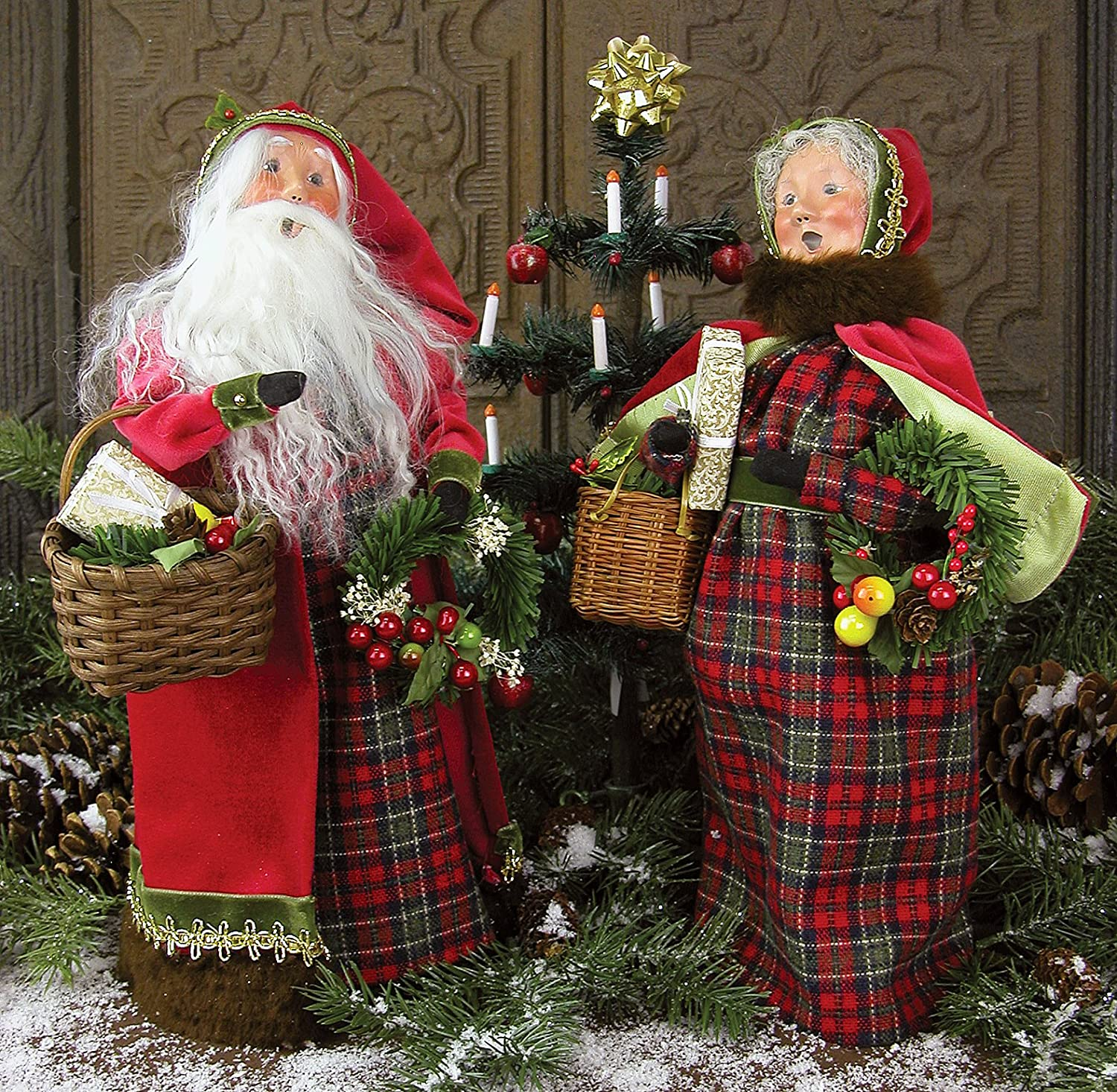 Byers Choice - English Country Santa and Mrs Claus