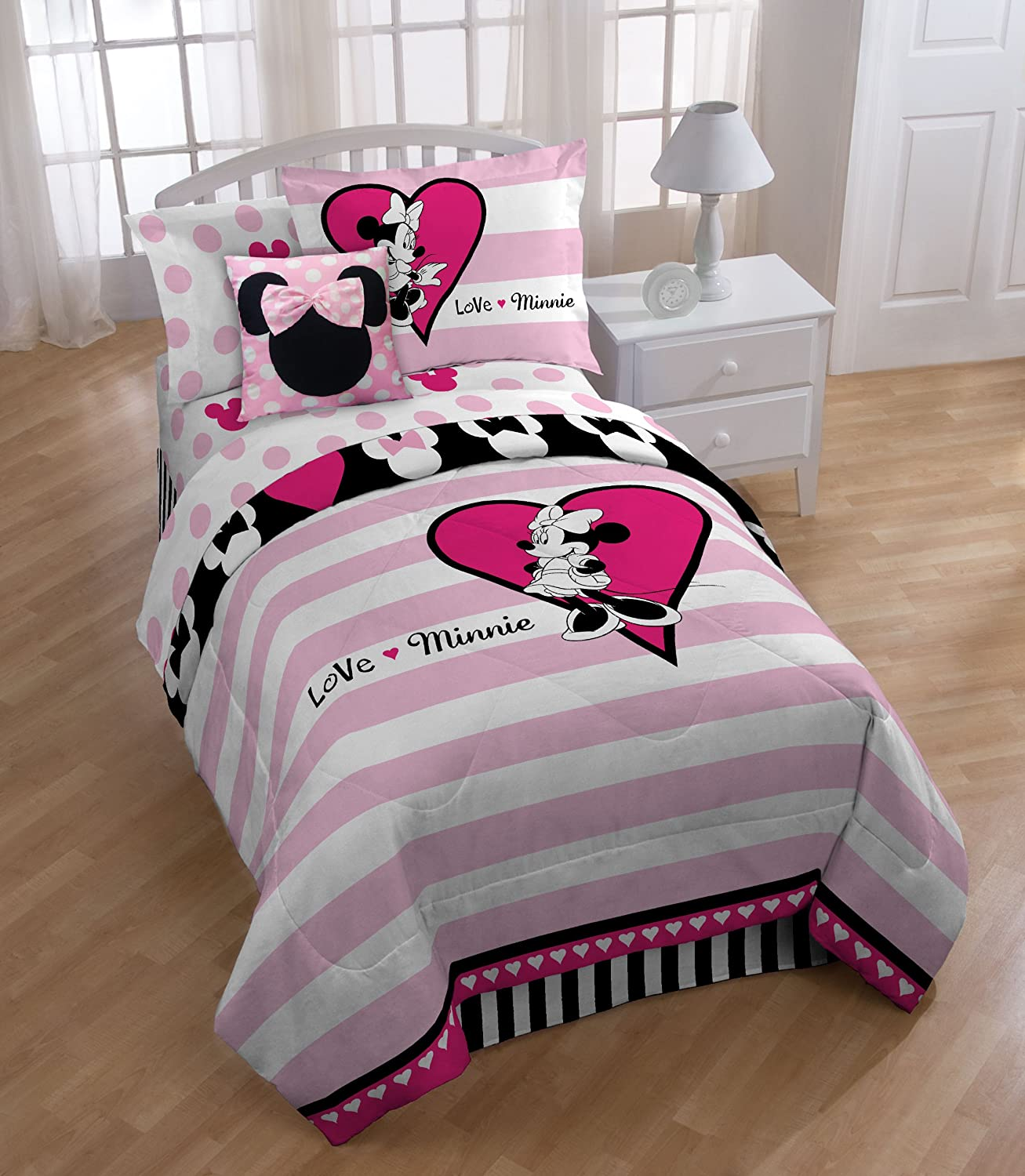 minnie mouse bedding totally kids totally bedrooms kids bedroom