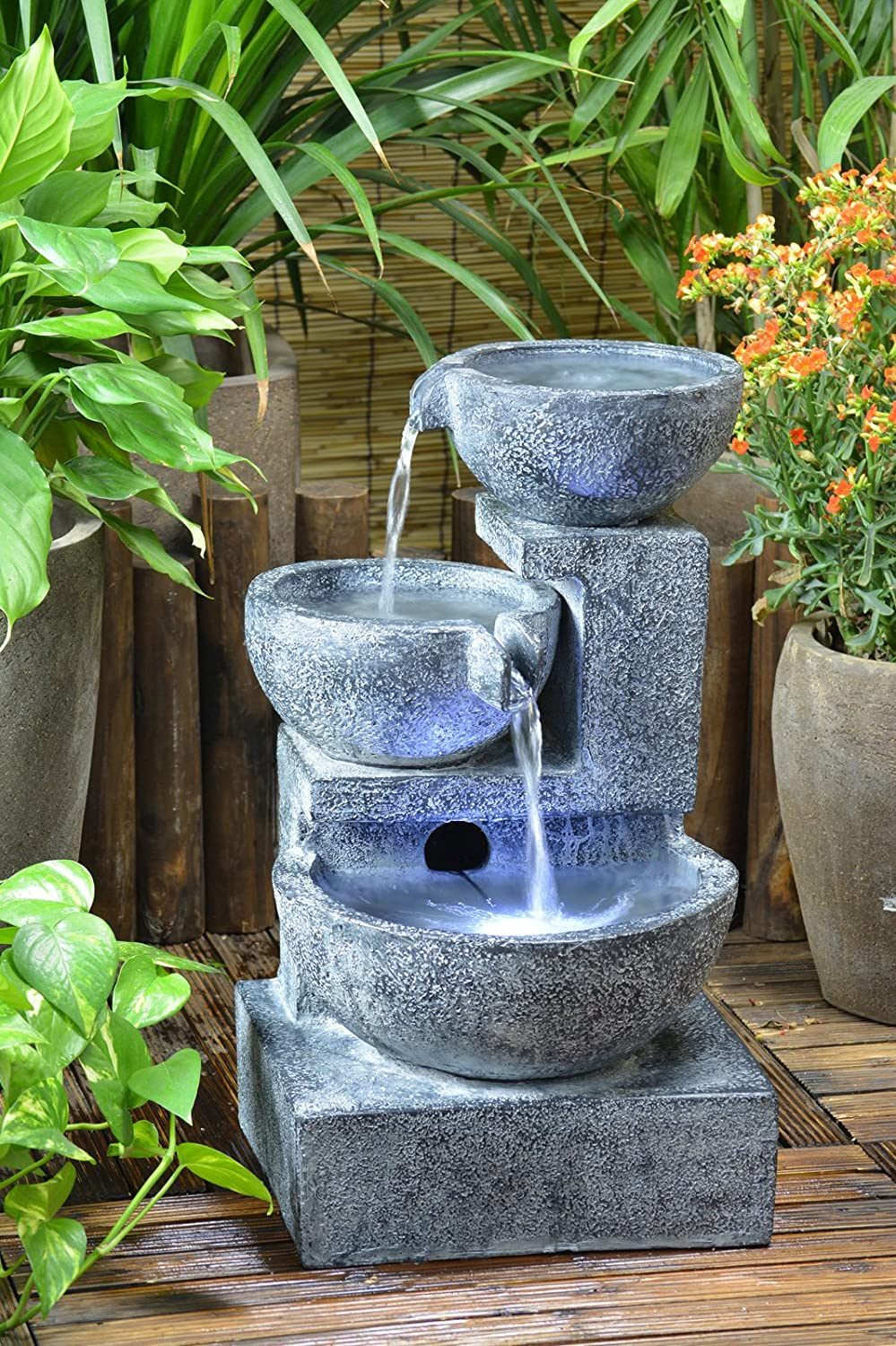Beautiful solar powered garden fountains honest reviewz for Garden fountains and water features