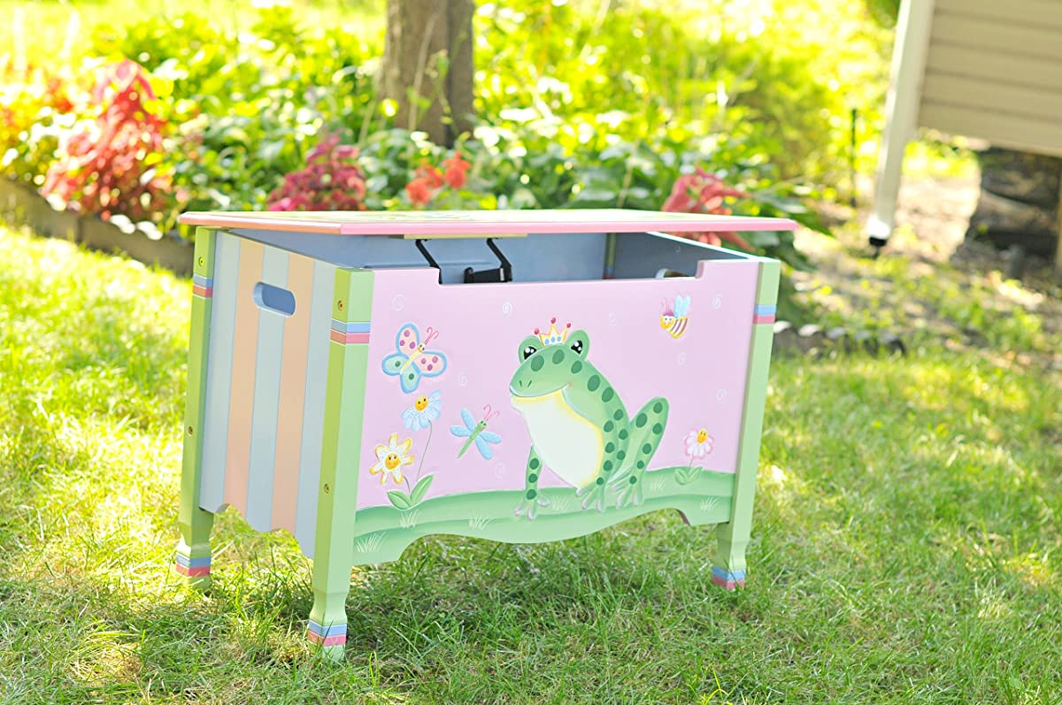 Wooden Toy Chest with Safety Hinges