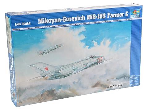Trumpeter 1:48 - Mig-19S Farmer C (TRU02803)