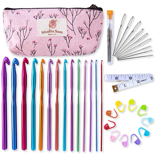 Studio Sam Crochet Hook Set. 35 Piece Kit Including 14 Sizes of Aluminum Hooks B-N (2-10mm), Blunt Large Eye Yarn Needles and Accessories.