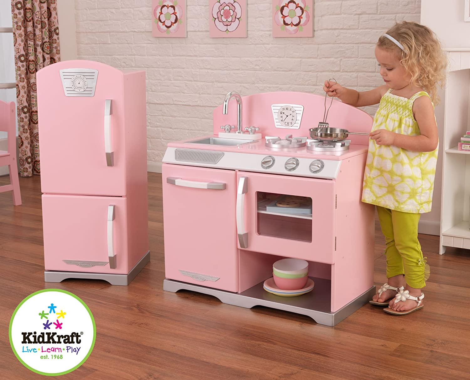 Amazon.com: Kidkraft Retro Kitchen and Refrigerator in Pink: Toys ...