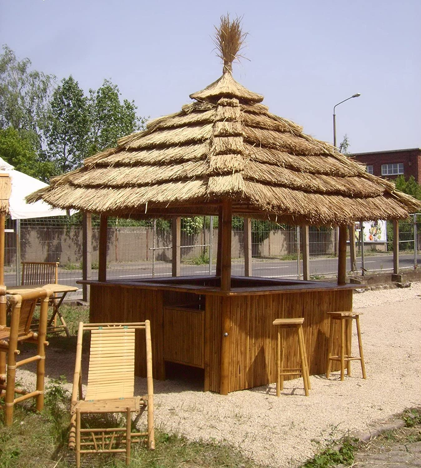 Tiki Bar 360 Degree - Tropical Kiosk with 8 Bar Stools & Thatch Roof