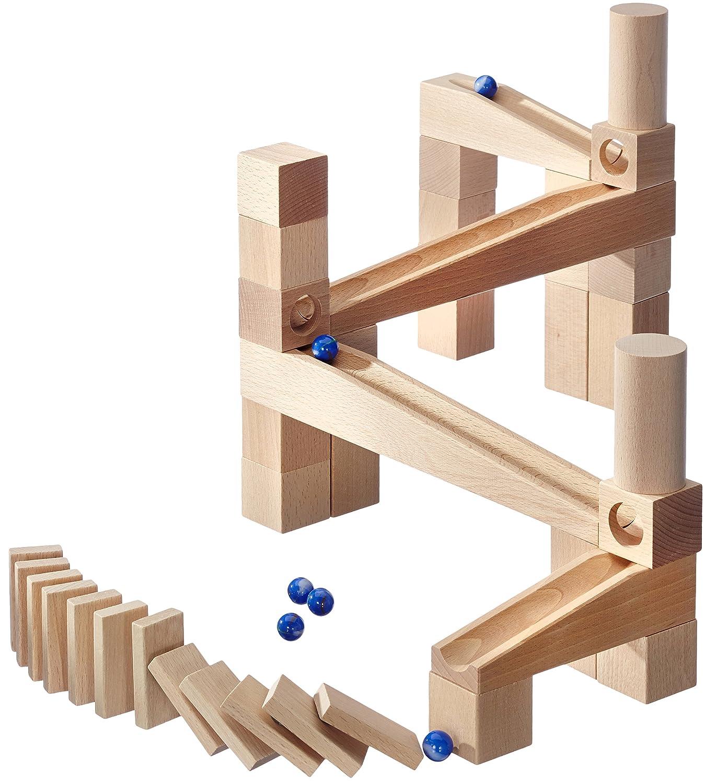Juego de canicas con módulos de madera