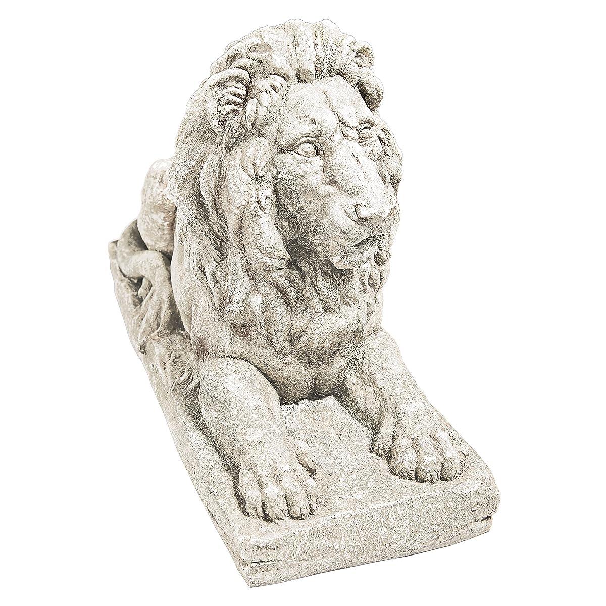 Design Toscano Lyndhurst Manor Lion Sentinel Statue