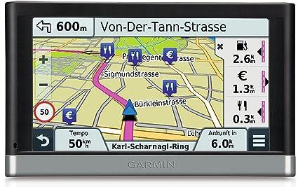 Garmin Nuvi 2597 LMT - GPS Auto écran 5 pouces - Appel mains libres et commande vocale - Info Trafic et carte (45 pays) gratuits à vie