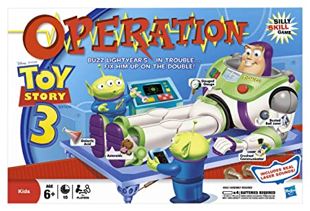 Hasbro – 16786 – Operation Toy Story 3 – Docteur Maboul Buzz l'Éclair (Version Anglaise)
