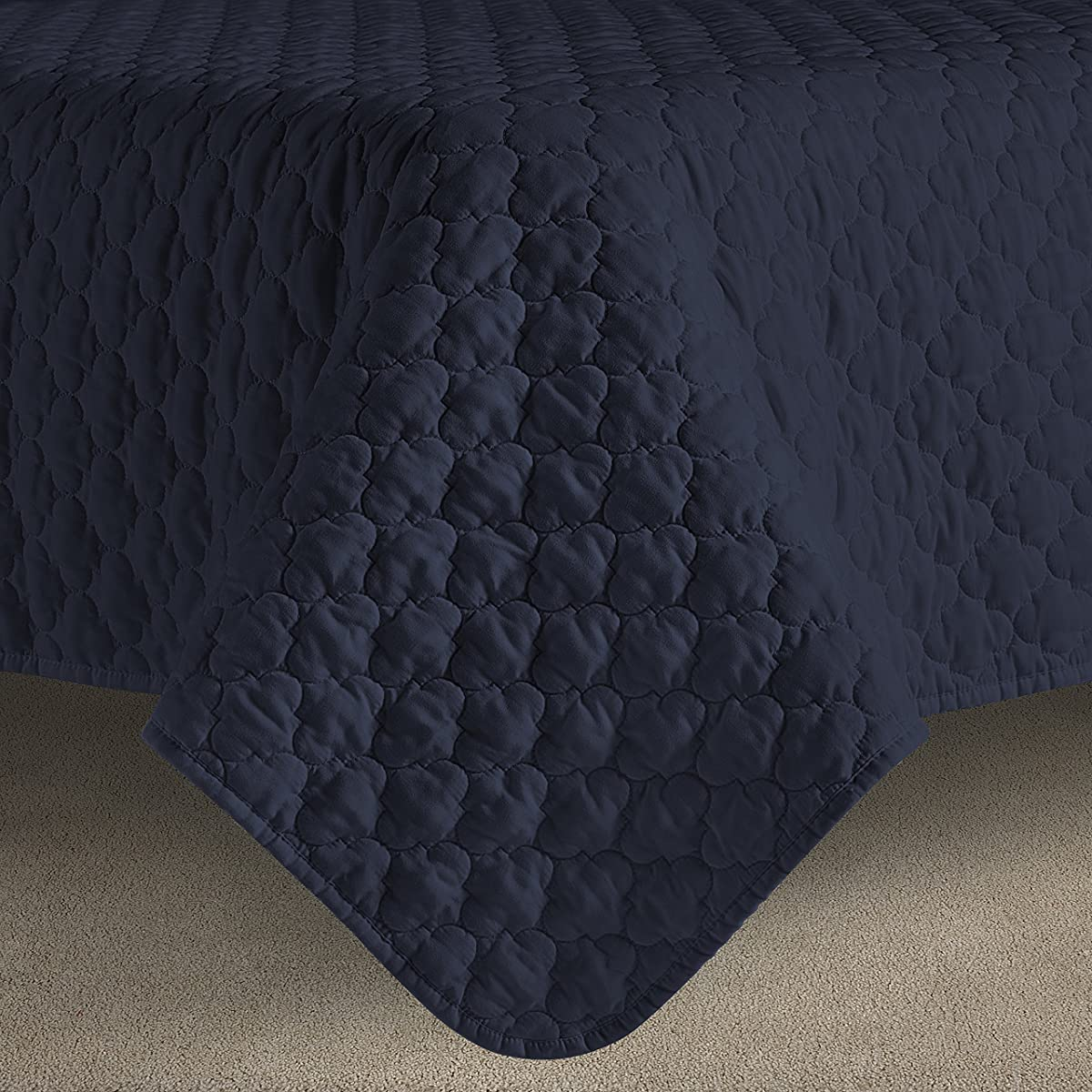 Oversized and Prewashed Comfy Bedding Lantern Ogee Quilted 3-piece Bedspread Coverlet Set (Full/Queen, Navy Blue)