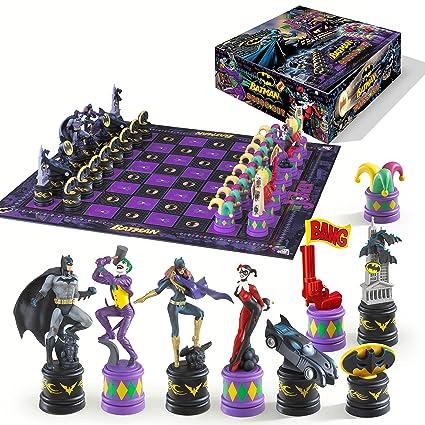 Batman Chess Set Dark Knight vs Joker Noble Collection sets