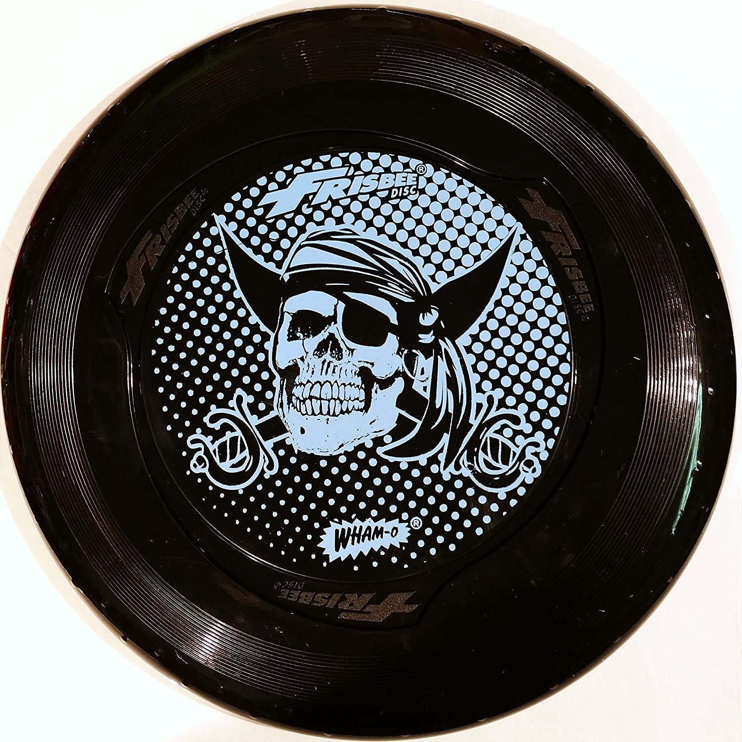 wham-o-fun-flyer-frisbee-disc-in-black-with-pirate-skull-design