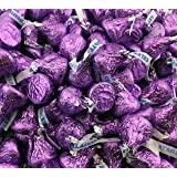 Hershey's Kisses, Milk Chocolate in Purple Foil (Pack of 2 Pound) (Color: Purple, Tamaño: 32 Ounces)