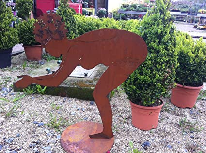 Skulptur schwimmerin quot berta quot gr ii kleinere for Gartenskulpturen metall rost