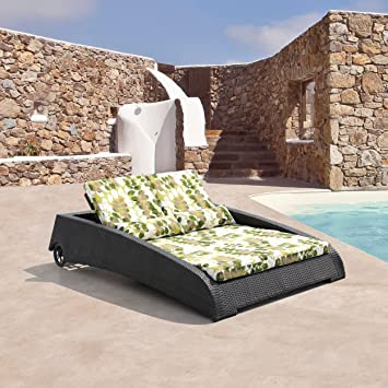Outdoor Patio Furniture Wicker Chaise Lounger