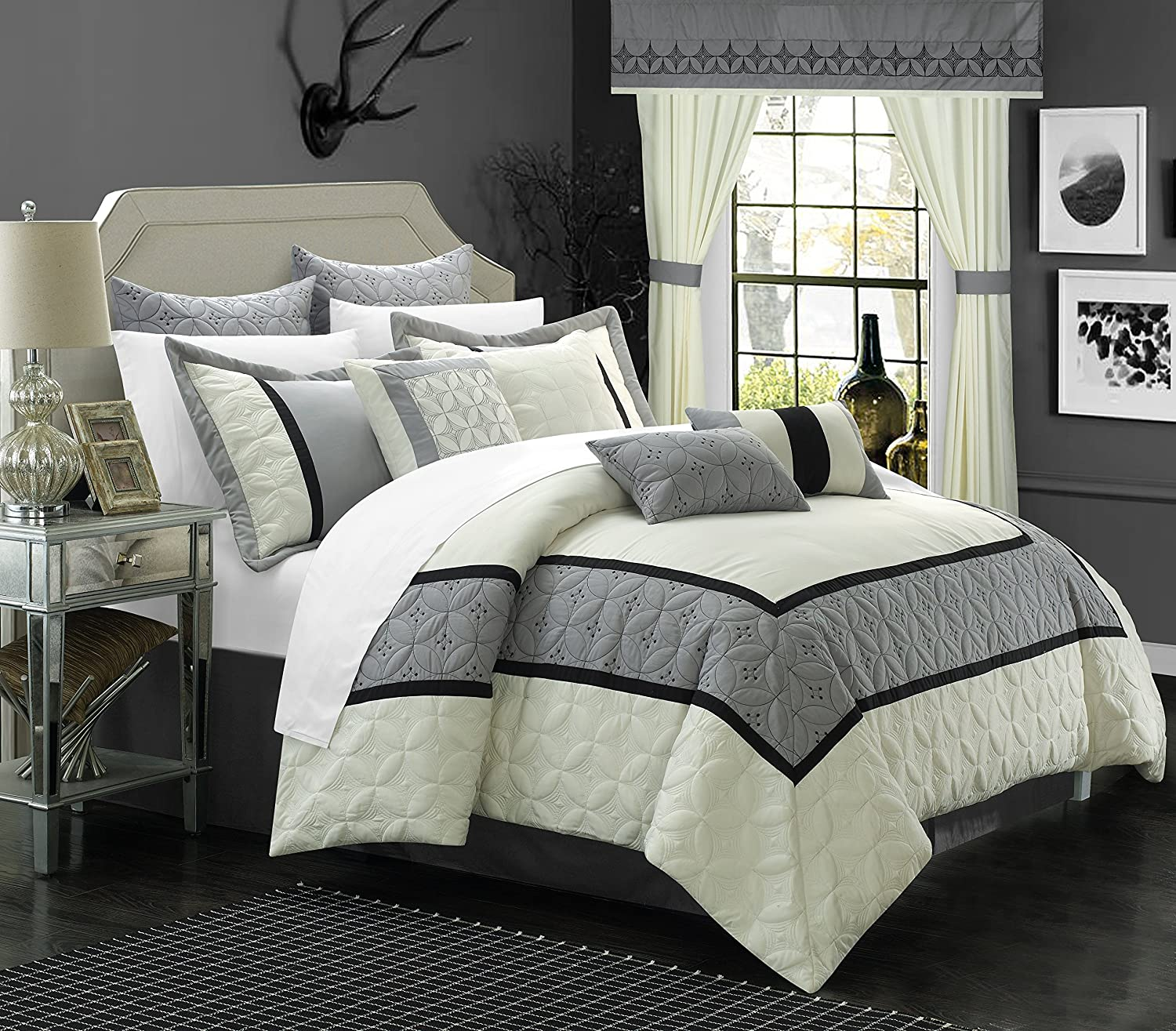 Chic Home 25 Piece Aida Bed in a Bag Comforter Set, King, White/Silver