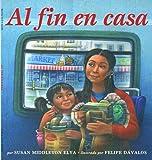 Susan Middleton Elya: Al fin en casa / Home at Last (Spanish Edition)