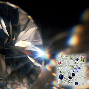厳選したダイヤモンドや誕生石を使用しています。