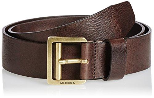 メンズベルトはブラウン・ブラック・ネイビーを3色買い! TPOに合わせたメンズベルトをチョイス 1番目の画像