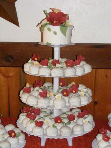 wedding cake stand hire melbourne a wide variety of cupcakes are also available to buy 25626