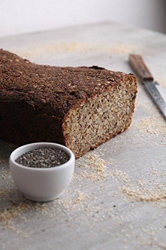 Energiebündel Low Carb Gebäck mit Chia. Frei von Getreide. Sieht aus wie Brot, schmeckt wie Brot, ist kein Brot.
