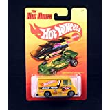 COMBAT MEDIC (HOT WHEELS RACE TEAM) * The Hot Ones * 2011 Release Of The 80s Classic Vintage HOT WHE