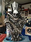 1/2 Alien Bust Side Show Resin Model Kit Figure .