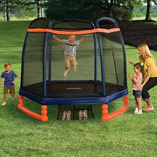 Little-Tikes-7'-Trampoline-for-family