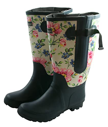 My Top 4 Extra Wide Calf Rain Boots For Plus Size Women