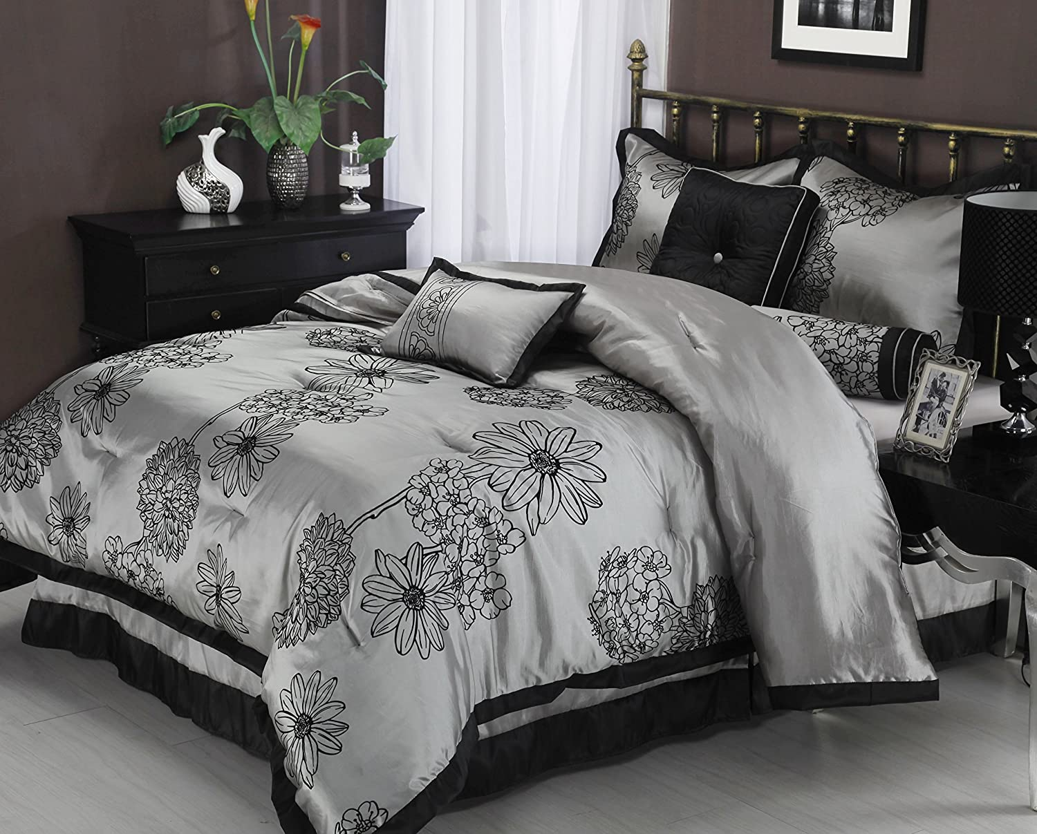 Silver Quilts And Bedding